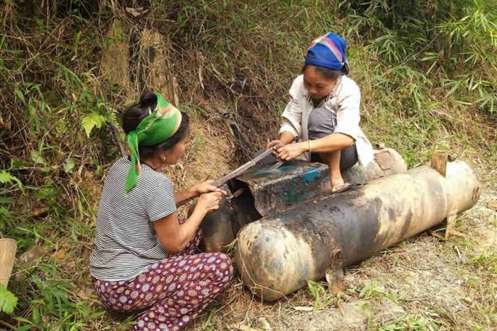 Theo chân những người nhặt phế liệu ở thung lũng vàng miền tây Nghệ An