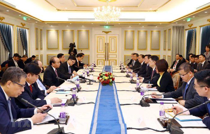 Thủ tướng Nguyễn Xuân Phúc gặp gỡ các doanh nghiệp hàng đầu Trung Quốc