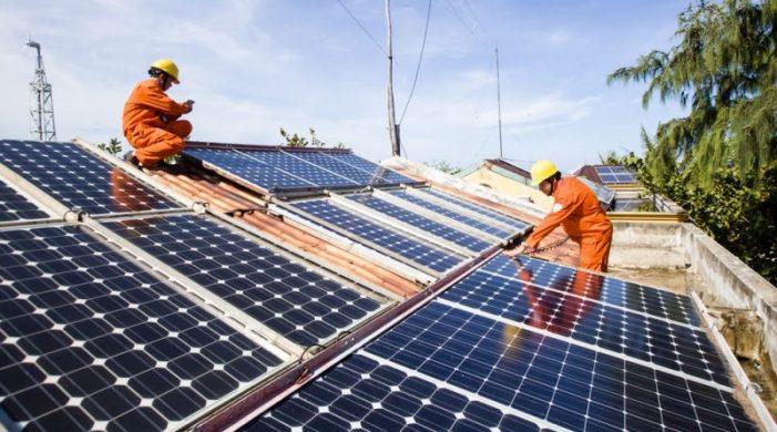 49 dự án điện mặt trời với tổng công suất 2.600 MW được đấu nối vào lưới điện trong tháng 6