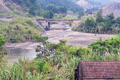 Bức tử sông Diễn Vọng