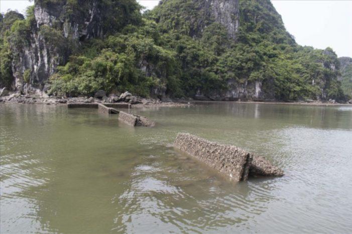 Phá bỏ hàng loạt công trình vô chủ, bỏ hoang giữa vịnh Hạ Long