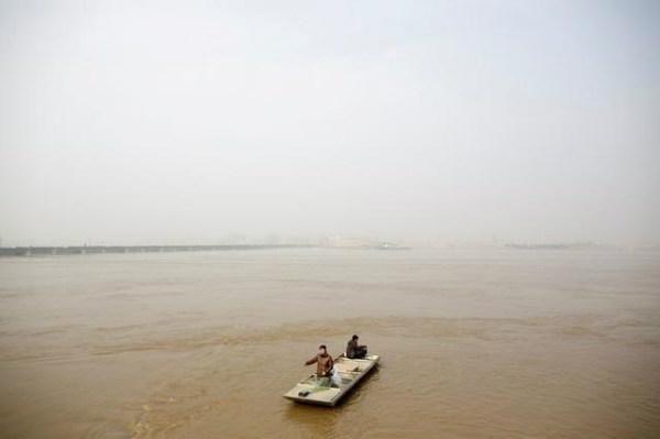 """Cải thiện chất lượng nước của Trung Quốc """"mất cân bằng"""" trong quý đầu tiên năm 2019"""