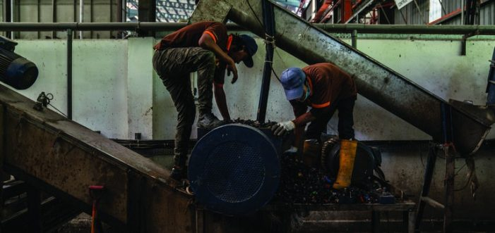 Rác thải nhựa nhấn chìm Đông Nam Á