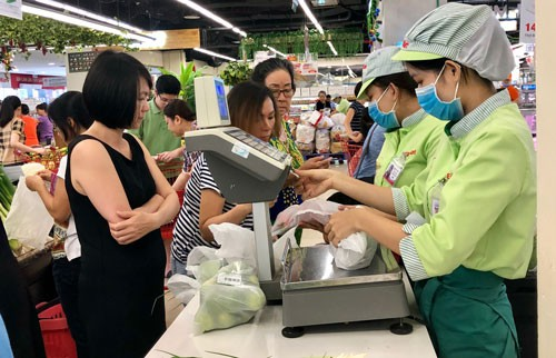 Chất thải nhựa giảm trong siêu thị, tăng ở chợ