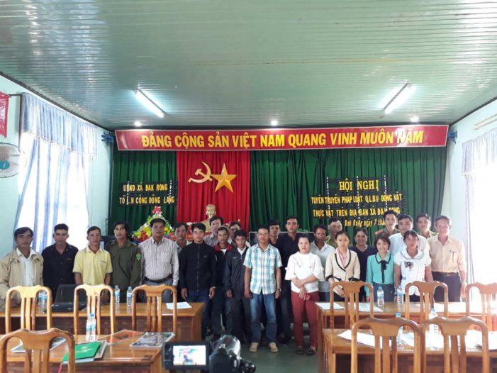 Tuyên truyền pháp luật về quản lý, bảo vệ rừng và các loài hoang dã tại Đắk Roong