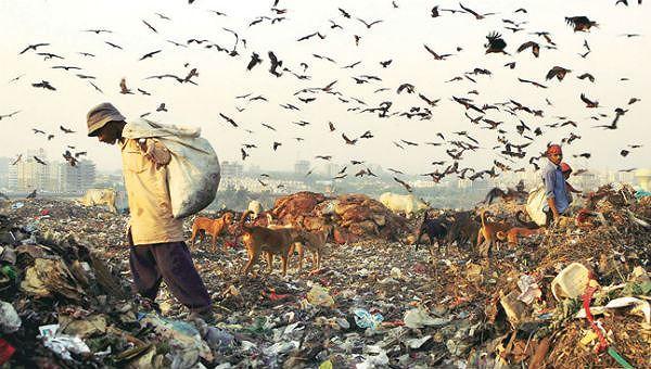Núi rác ở thành phố ô nhiễm nhất thế giới cao 65m, rộng bằng 40 sân bóng