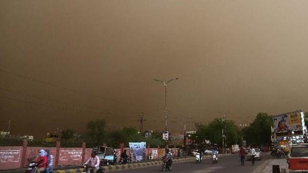 Ít nhất 16 người chết do bão cát và sấm sét tại miền Bắc Ấn Độ