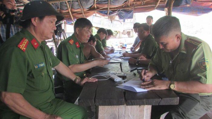 """Hoàn tất cáo trạng đường dây buôn lậu gần 1000 m3 gỗ tại Đắk Nông: Hàng loạt cán bộ kiểm lâm đã """"nhúng chàm"""" ra sao?"""