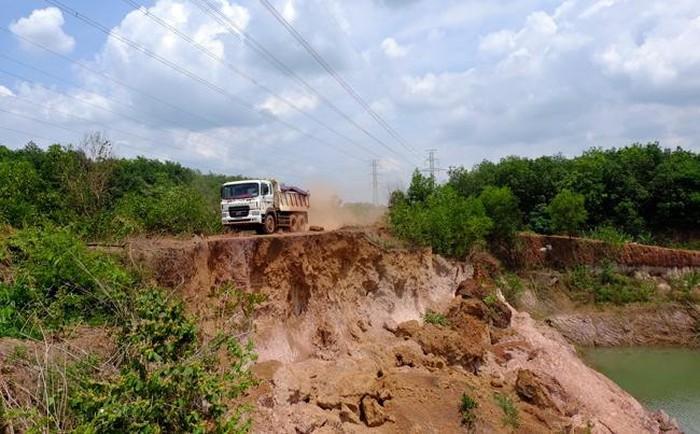 Chấn chỉnh việc khai thác đất làm gạch tại Bình Phước