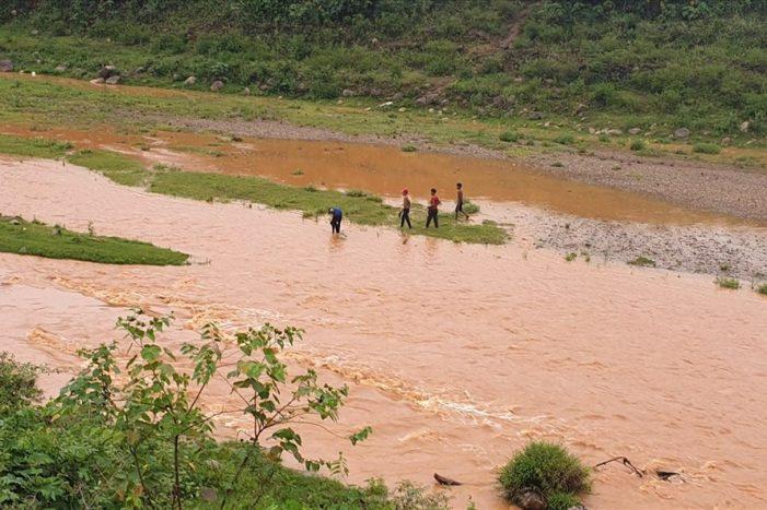 Nước sông Đakrông ô nhiễm, hàng nghìn người dân ở hạ lưu kêu cứu