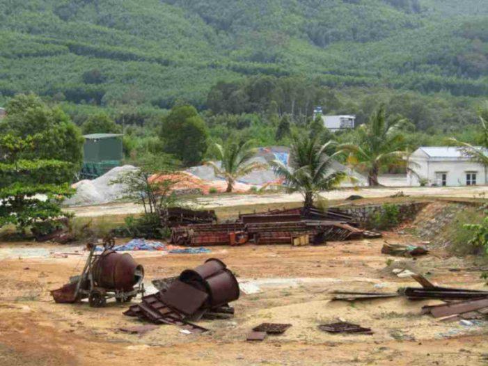 Bình Định: Công ty CP Khoáng sản Miền Trung để lại khối tài sản rỉ sét và các khoản nợ thuế