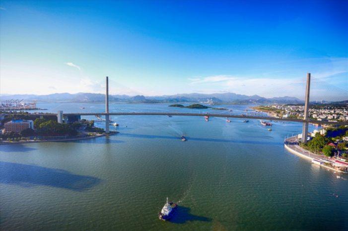 """Ô nhiễm vây quanh vịnh Cửa Lục: Vịnh Hạ Long sẽ rơi vào """"nguy hiểm"""""""