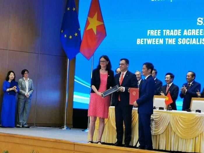 Việt Nam và EU chính thức ký Hiệp định Thương mại tự do EVFTA