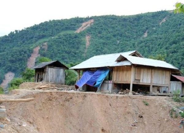 Nghệ An: Hàng trăm hộ dân diện nguy cấp sạt lở đất phải di dời