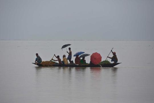 Lũ lụt khủng ở Nam Á, 180 người chết, hàng triệu người di dời