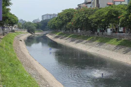 Xả nước vào sông Tô Lịch: Cuốn trôi thành quả 2 tháng