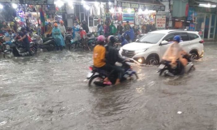 Khai thác nước ngầm quá mức, TP Hồ Chí Minh bị ngập, sụn lún nghiêm trọng